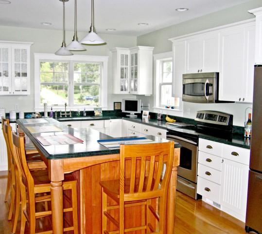 New Eat-in Kitchen